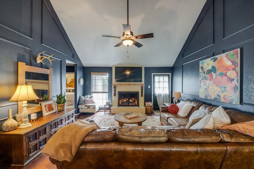 202 Buffalo Creek  Drive, Waxahachie, Texas 75165 - acquisto real estate best celina realtor logan lawrence best dressed realtor