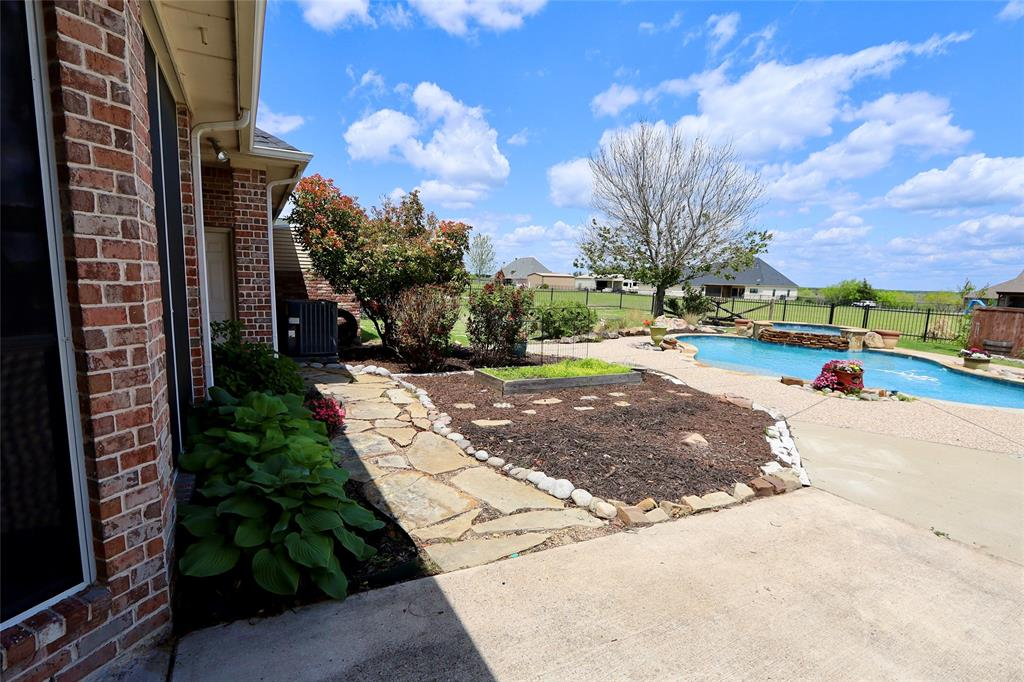 10188 Dennehy  Drive, Talty, Texas 75126 - acquisto real estate best negotiating realtor linda miller declutter realtor