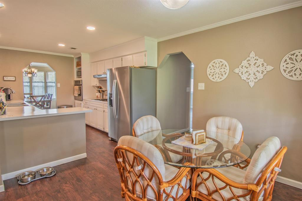 104 Oak Lane, Burleson, Texas 76028 - acquisto real estate best real estate company to work for