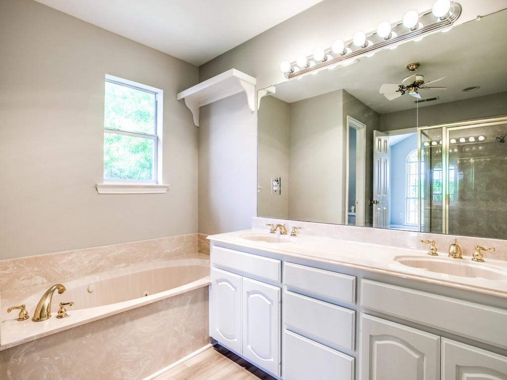 318 Harbor Landing  Drive, Rockwall, Texas 75032 - acquisto real estate best realtor foreclosure real estate mike shepeherd walnut grove realtor