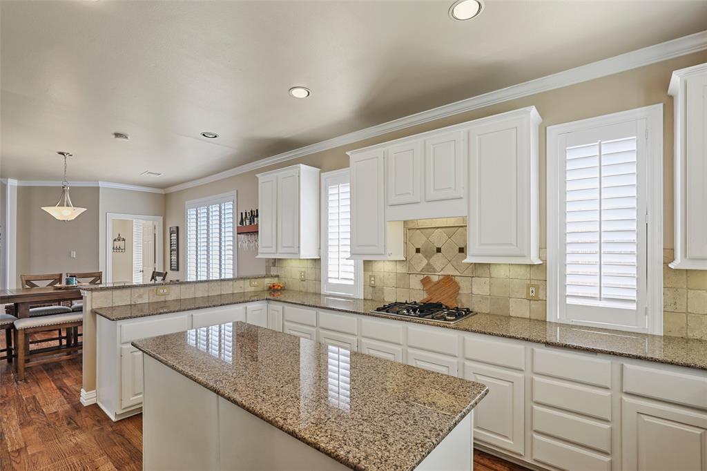 3828 Peppertree  Drive, Carrollton, Texas 75007 - acquisto real estate best celina realtor logan lawrence best dressed realtor