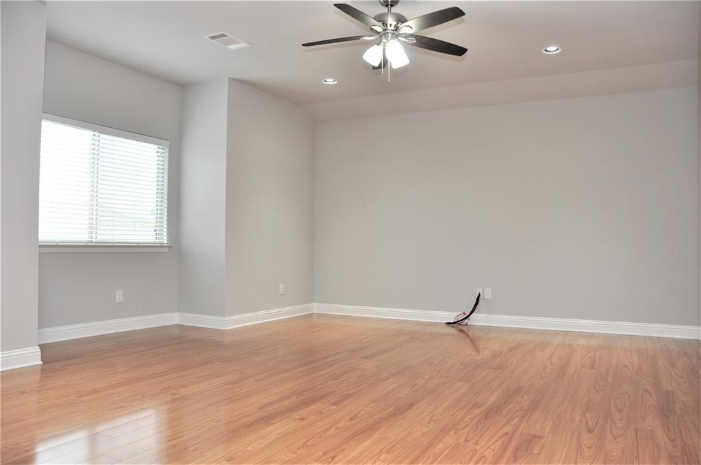 2606 Kuykendall Drive, Arlington, Texas 76001 - acquisto real estate best realtor foreclosure real estate mike shepeherd walnut grove realtor