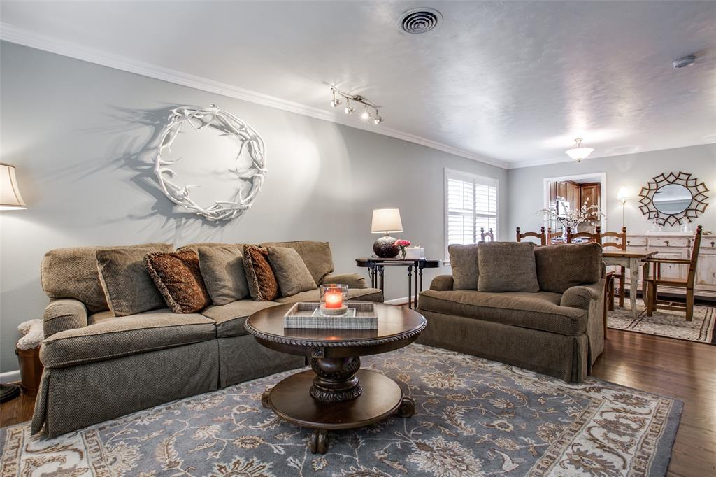 10005 Lakedale Drive, Dallas, Texas 75218 - acquisto real estate best celina realtor logan lawrence best dressed realtor