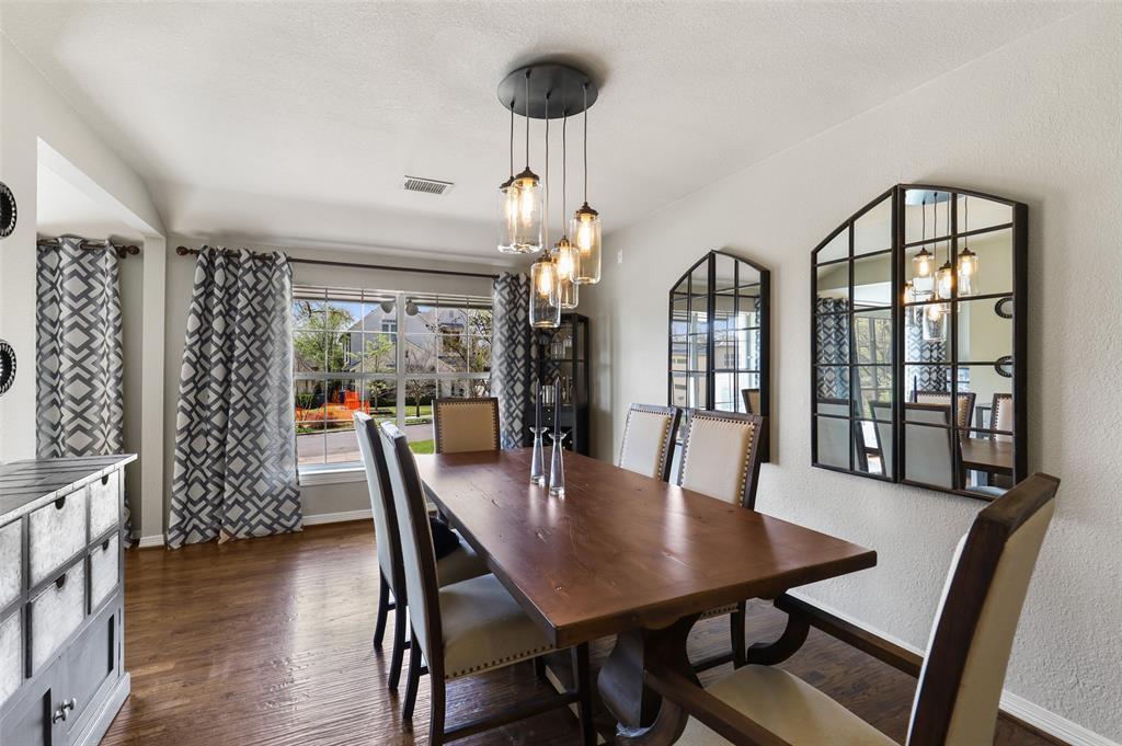6843 La Vista  Drive, Dallas, Texas 75214 - acquisto real estate best real estate company to work for