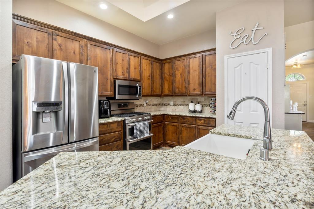 4536 Rustic Ridge  Court, The Colony, Texas 75056 - acquisto real estate best listing listing agent in texas shana acquisto rich person realtor