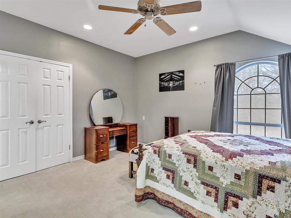 22 Whispering Oaks Drive, Denison, Texas 75020 - acquisto real estate best photo company frisco 3d listings