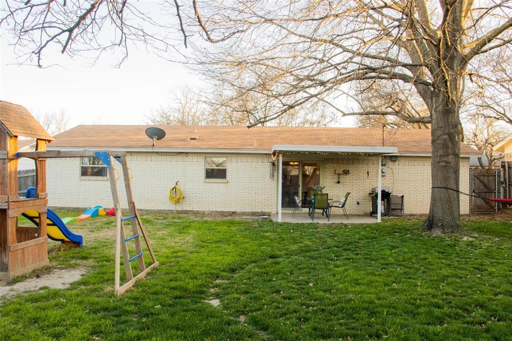 312 Boulder  Court, Burleson, Texas 76028 - acquisto real estate best negotiating realtor linda miller declutter realtor