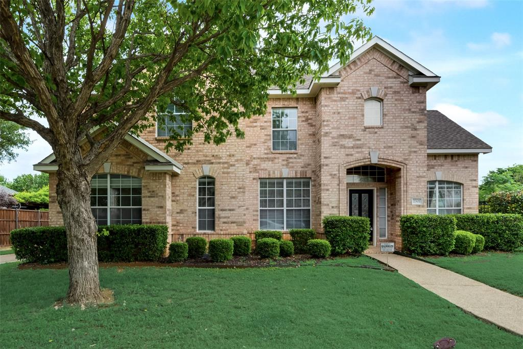 2301 Chapelwood  Drive, Lewisville, Texas 75077 - Acquisto Real Estate best plano realtor mike Shepherd home owners association expert