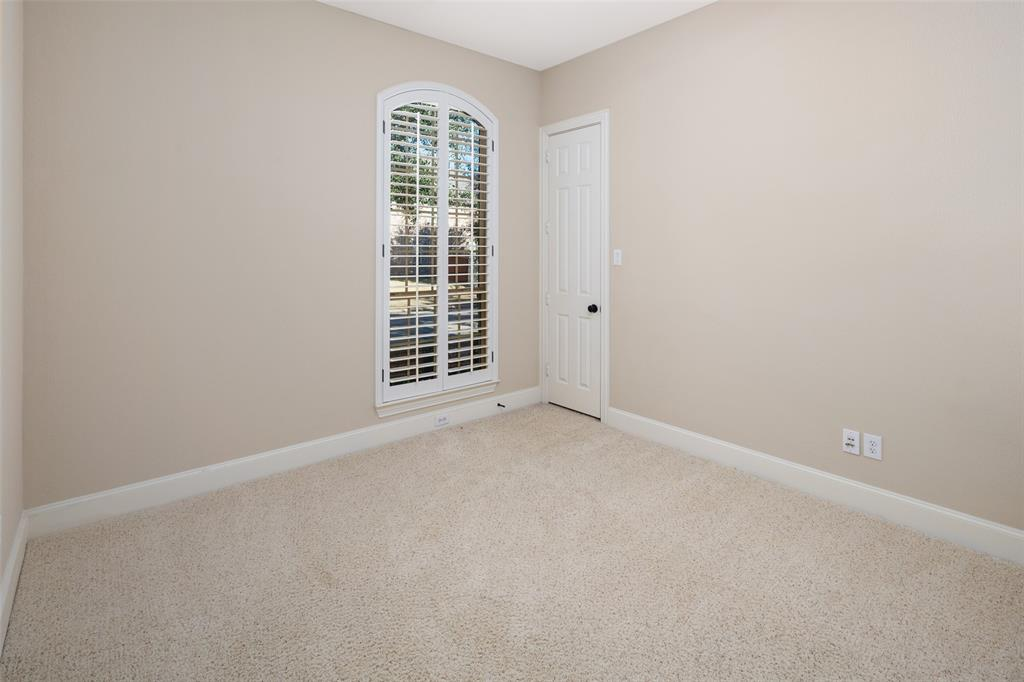 935 Pine Burst  Drive, Allen, Texas 75013 - acquisto real estate best frisco real estate broker in texas for high net worth buyers