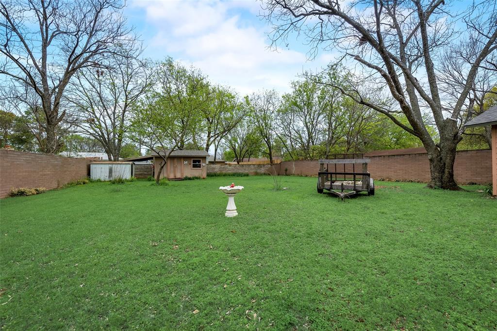 424 Hurstview Drive, Hurst, Texas 76053 - acquisto real estate best park cities realtor kim miller best staging agent