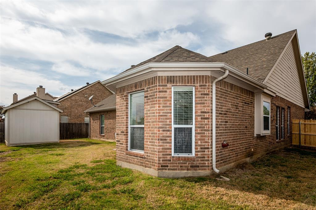 1482 Park Crest Drive, Crowley, Texas 76036 - acquisto real estate best plano real estate agent mike shepherd