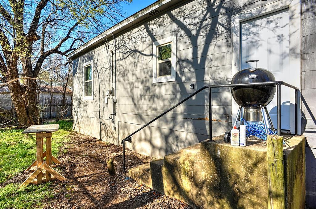 710 Scullin Avenue, Denison, Texas 75020 - acquisto real estate best realtor dfw jody daley liberty high school realtor