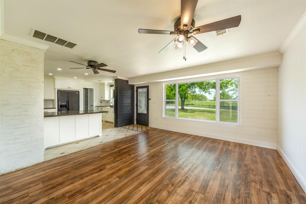 138 Silver  Street, Bowie, Texas 76230 - acquisto real estate best photos for luxury listings amy gasperini quick sale real estate