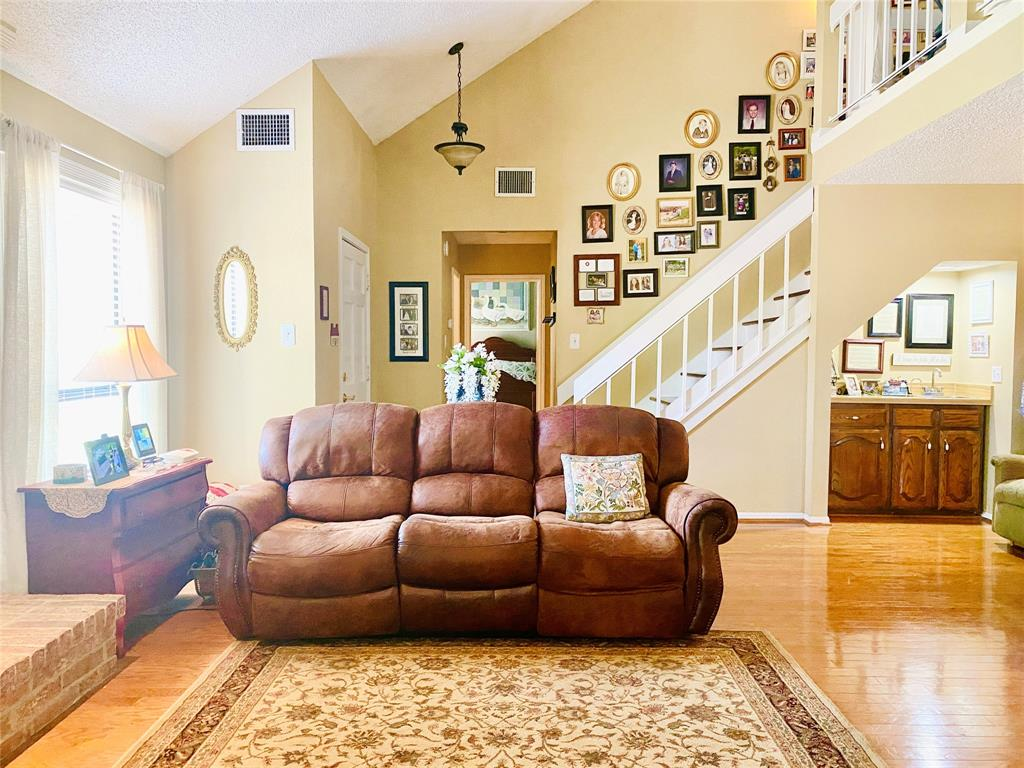 4701 Olympia Drive, Mesquite, Texas 75150 - acquisto real estate best real estate company to work for