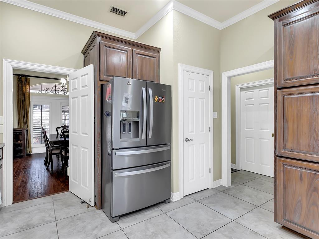 22 Whispering Oaks Drive, Denison, Texas 75020 - acquisto real estate best real estate company to work for