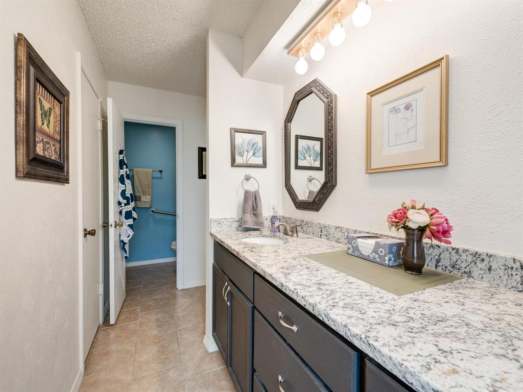 425 Mountainview Drive, Hurst, Texas 76054 - acquisto real estaet best boutique real estate firm in texas for high net worth sellers
