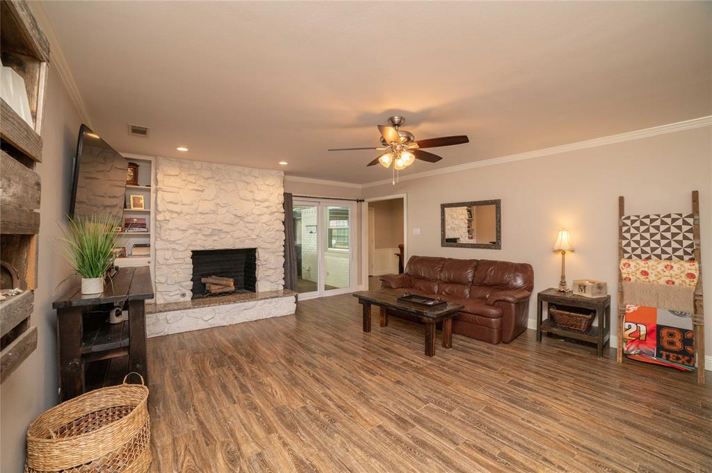 2426 Sherwood  Drive, Grand Prairie, Texas 75050 - acquisto real estate best designer and realtor hannah ewing kind realtor