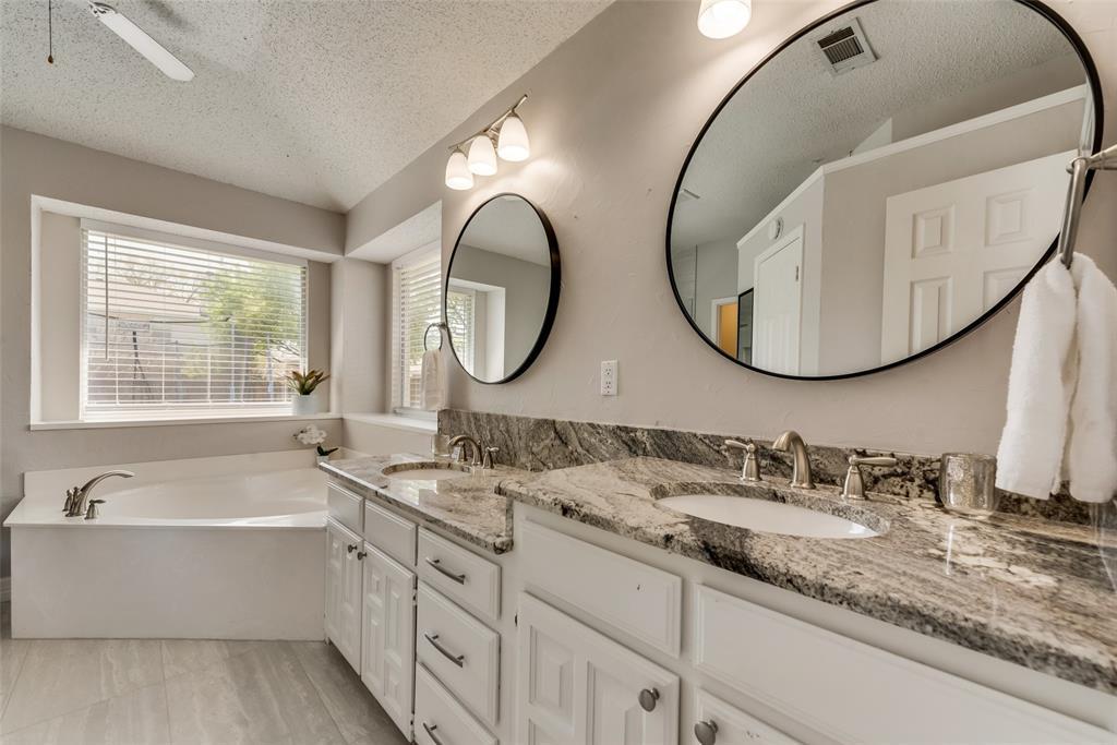 1408 Woodmont Drive, Allen, Texas 75002 - acquisto real estate best park cities realtor kim miller best staging agent