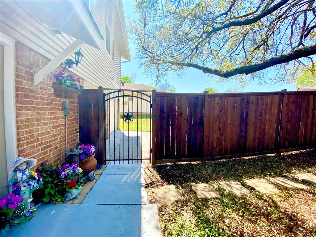 4701 Olympia Drive, Mesquite, Texas 75150 - acquisto real estate best park cities realtor kim miller best staging agent