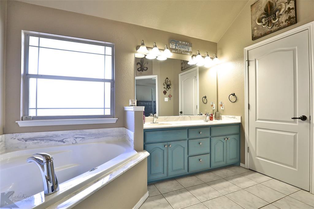 5118 Holly Way, Abilene, Texas 79606 - acquisto real estate best luxury buyers agent in texas shana acquisto inheritance realtor