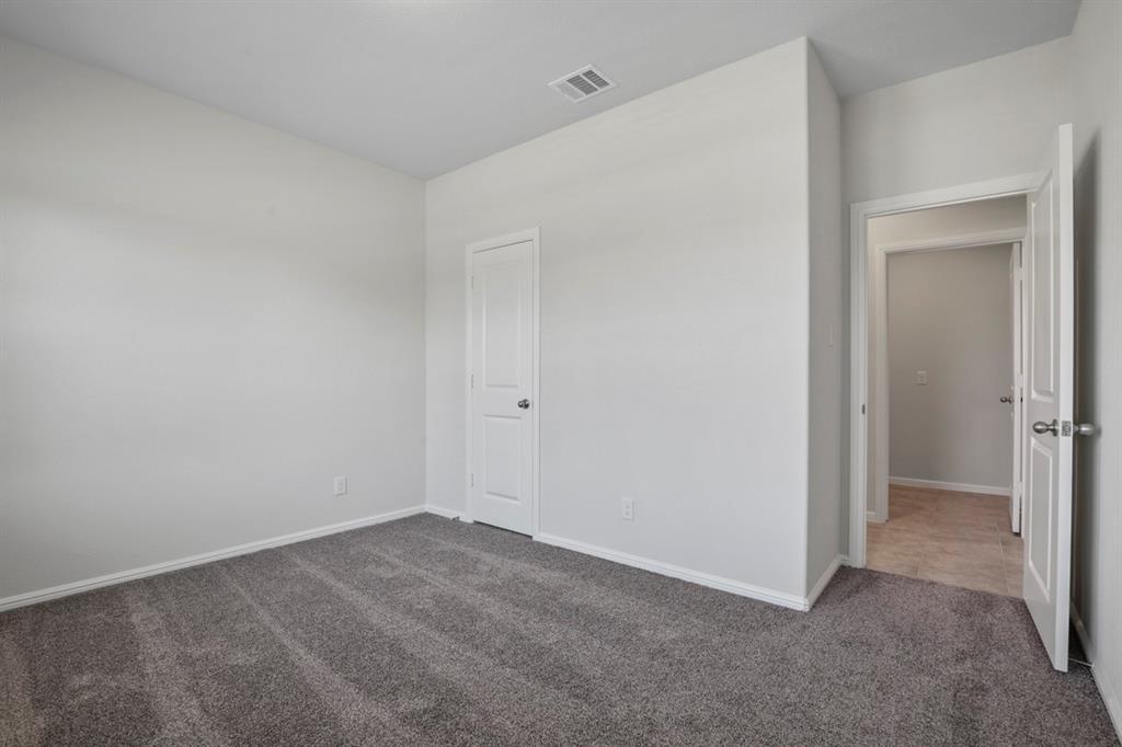 9352 HERRINGBONE Drive, Fort Worth, Texas 76131 - acquisto real estate best listing agent in the nation shana acquisto estate realtor