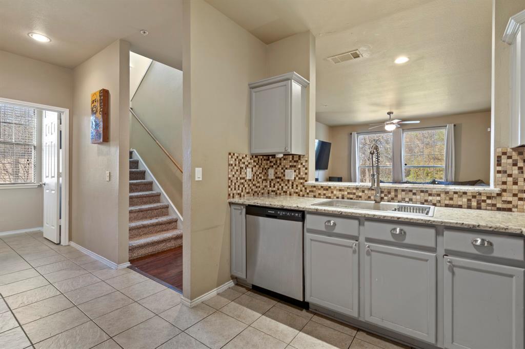 2212 Stoneleigh Place, McKinney, Texas 75071 - acquisto real estate best celina realtor logan lawrence best dressed realtor