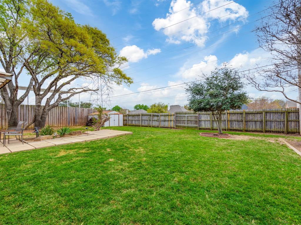 425 Mountainview Drive, Hurst, Texas 76054 - acquisto real estate best plano real estate agent mike shepherd