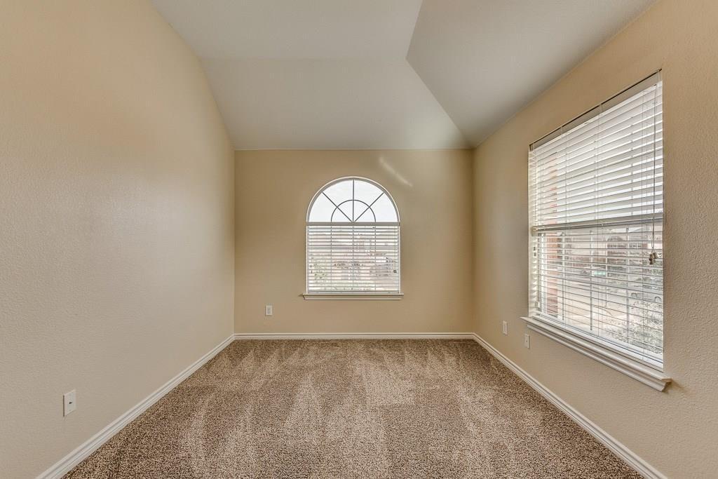 11805 Vienna Apple Road, Fort Worth, Texas 76244 - acquisto real estate best negotiating realtor linda miller declutter realtor