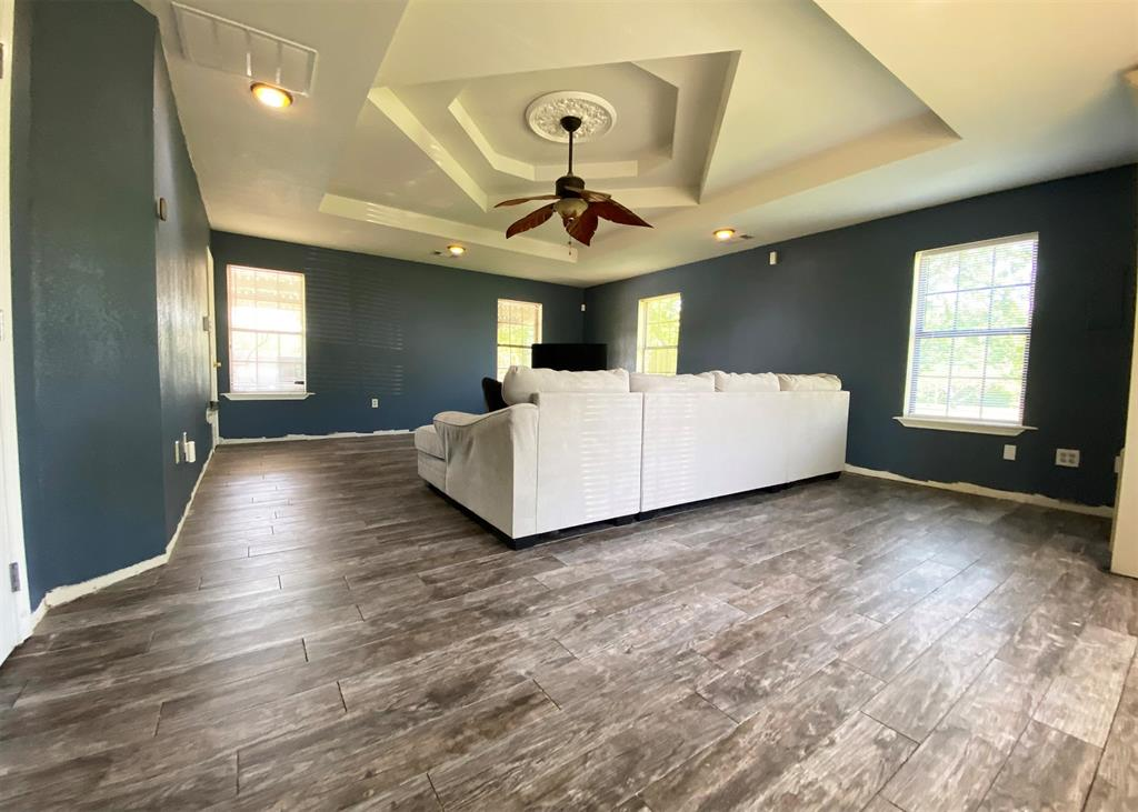 805 Elm  Street, Ennis, Texas 75119 - acquisto real estate best highland park realtor amy gasperini fast real estate service