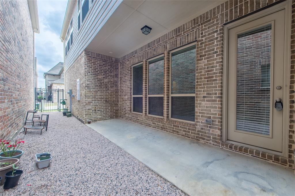 7409 Collin McKinney Parkway, McKinney, Texas 75070 - acquisto real estate best park cities realtor kim miller best staging agent