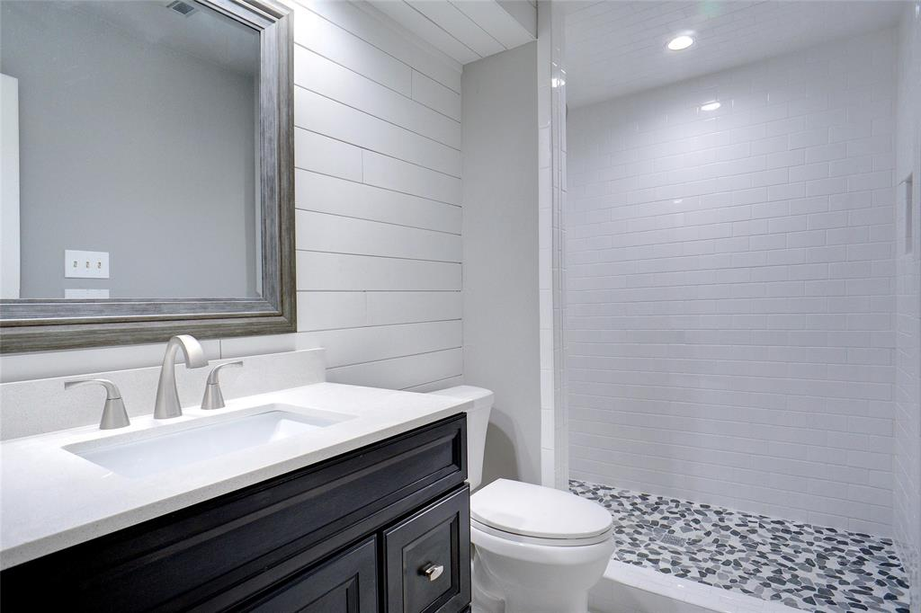 500 Skyridge  Drive, Argyle, Texas 76226 - acquisto real estate best realtor foreclosure real estate mike shepeherd walnut grove realtor