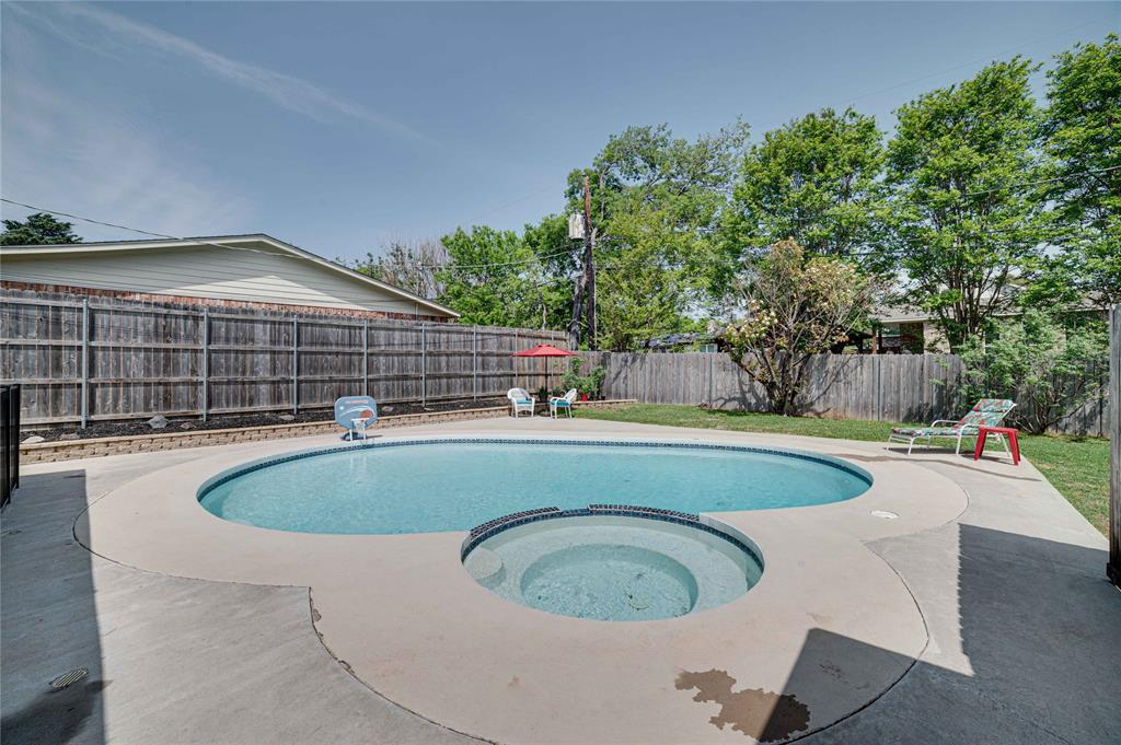 2426 Sherwood  Drive, Grand Prairie, Texas 75050 - acquisto real estate best flower mound realtor jody daley lake highalands agent of the year