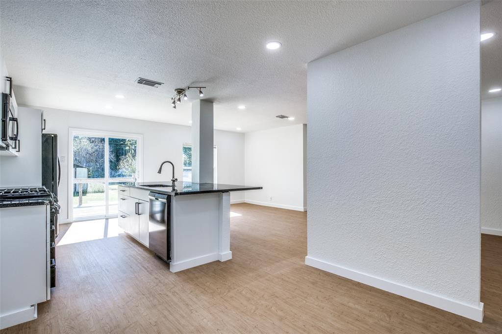 1434 Oak Cliff  Boulevard, Dallas, Texas 75208 - acquisto real estate best real estate company in frisco texas real estate showings