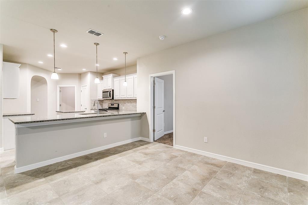 568 Pendennis  Drive, Saginaw, Texas 76131 - acquisto real estate best new home sales realtor linda miller executor real estate