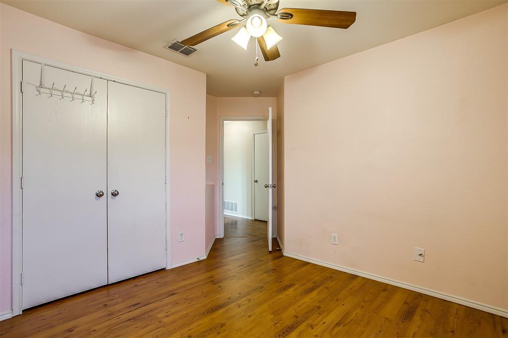 2529 Castle Pines Drive, Burleson, Texas 76028 - acquisto real estate best realtor dfw jody daley liberty high school realtor