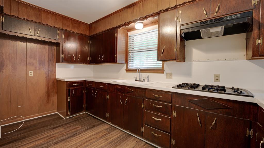 1508 Nichols  Street, Ennis, Texas 75119 - acquisto real estate best highland park realtor amy gasperini fast real estate service