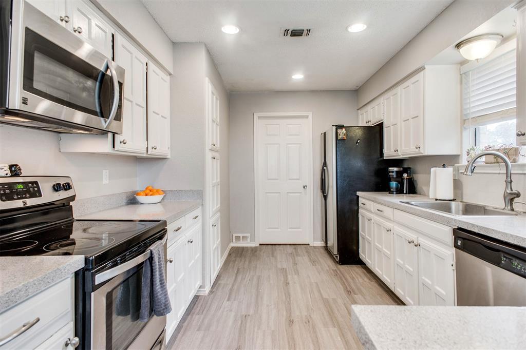 4606 Mandalay  Drive, Arlington, Texas 76016 - acquisto real estate best listing listing agent in texas shana acquisto rich person realtor
