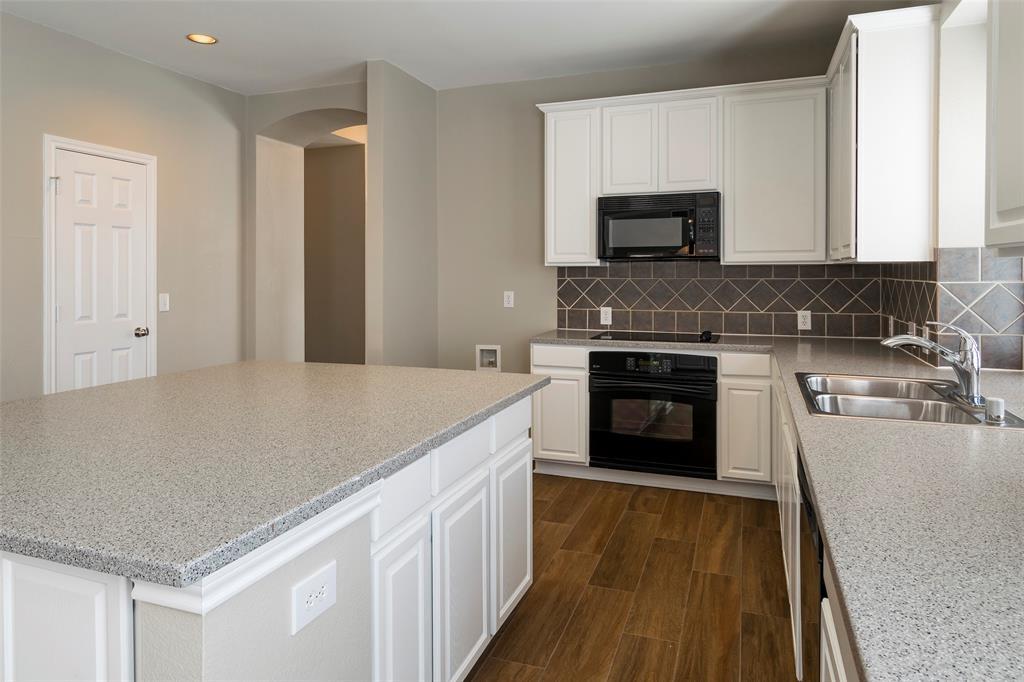 7561 Ravenhill  Drive, Frisco, Texas 75035 - acquisto real estate best highland park realtor amy gasperini fast real estate service