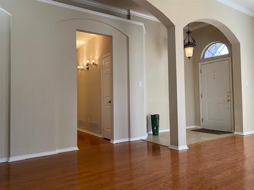 8640 Woodcreek  Drive, Irving, Texas 75063 - acquisto real estate best allen realtor kim miller hunters creek expert