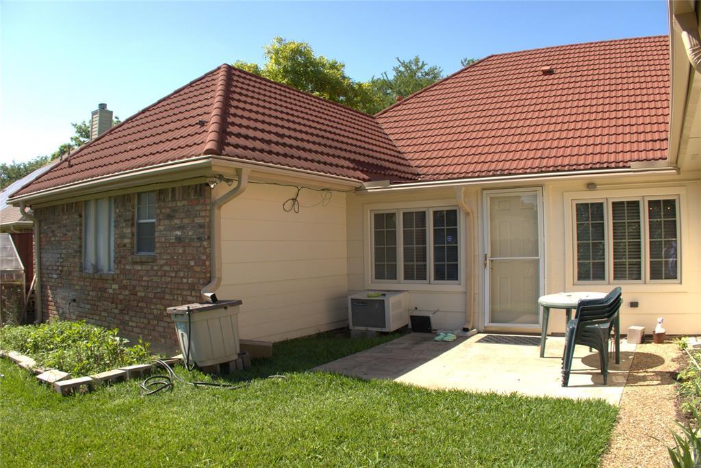 9926 Chimney Hill  Lane, Dallas, Texas 75243 - acquisto real estate best negotiating realtor linda miller declutter realtor