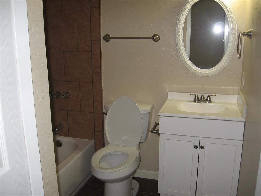 1818 Bosque  Drive, Garland, Texas 75040 - acquisto real estate best listing agent in the nation shana acquisto estate realtor
