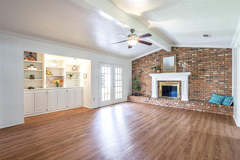 811 Lake Highlands  Drive, Allen, Texas 75002 - Acquisto Real Estate best plano realtor mike Shepherd home owners association expert