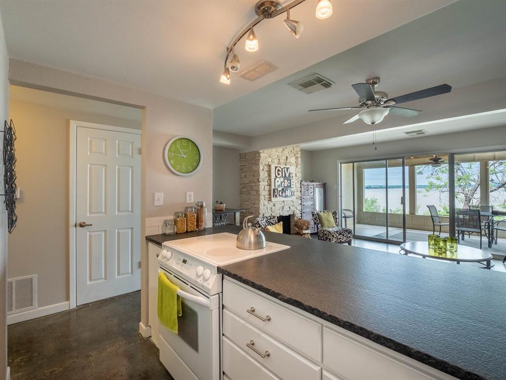5615 Thunderbird  Court, De Cordova, Texas 76049 - acquisto real estate best real estate company to work for