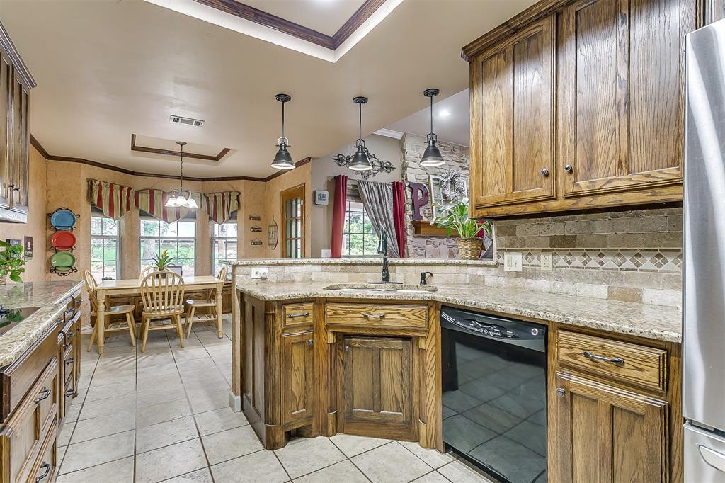 532 Forest Edge  Street, Burleson, Texas 76028 - acquisto real estate best realtor dallas texas linda miller agent for cultural buyers