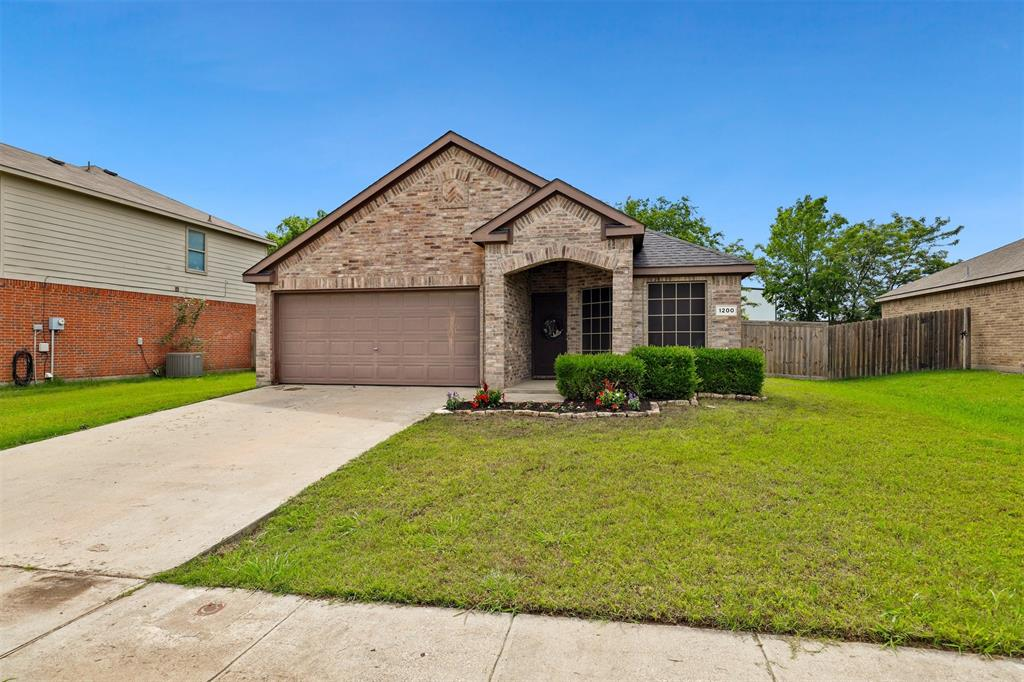 1200 Primrose  Drive, Sanger, Texas 76266 - Acquisto Real Estate best plano realtor mike Shepherd home owners association expert