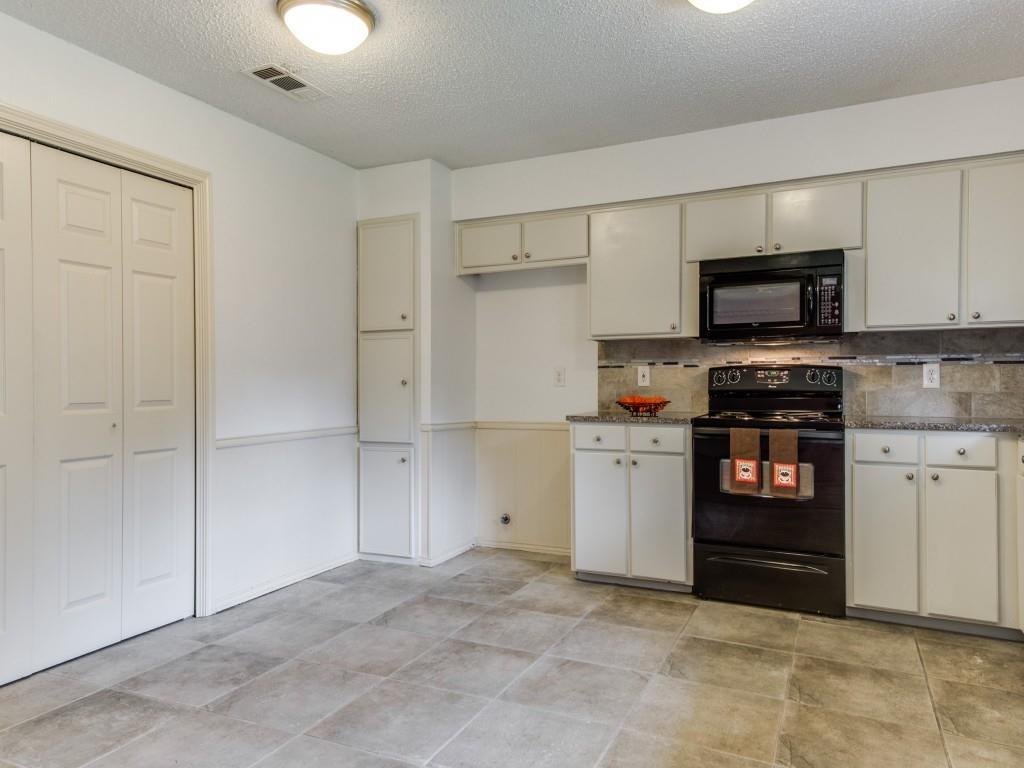 1314 Lark  Lane, Lewisville, Texas 75077 - acquisto real estate best allen realtor kim miller hunters creek expert