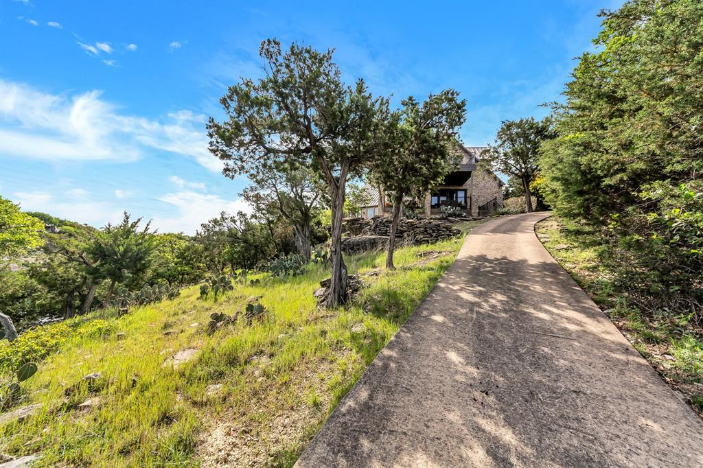 1056 Bluff Creek  Drive, Possum Kingdom Lake, Texas 76475 - acquisto real estate best park cities realtor kim miller best staging agent