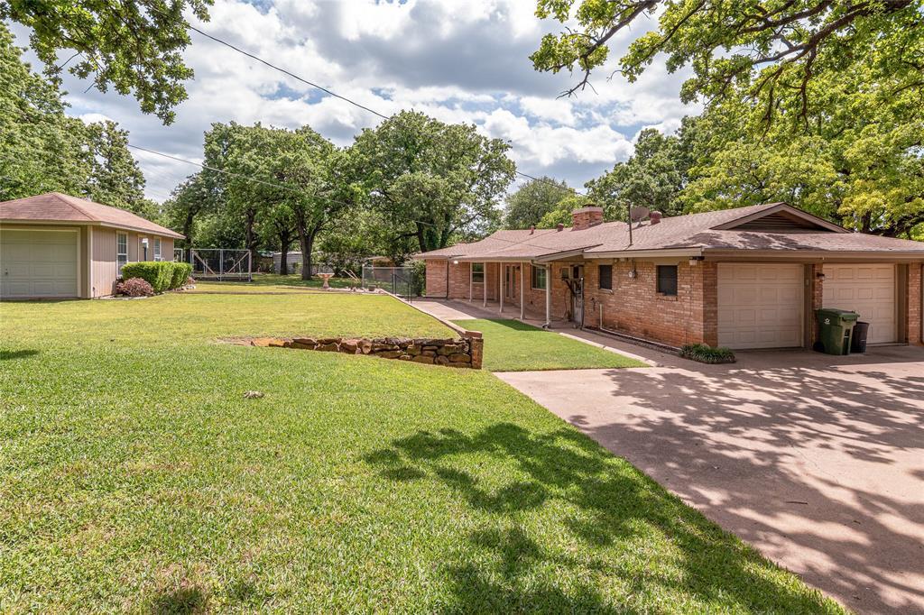 22 Shadowbrook  Lane, Hurst, Texas 76053 - acquisto real estate best park cities realtor kim miller best staging agent