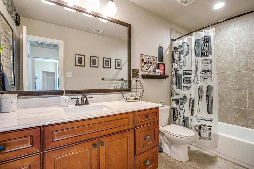 201 Palmer View  Drive, Palmer, Texas 75152 - acquisto real estaet best boutique real estate firm in texas for high net worth sellers