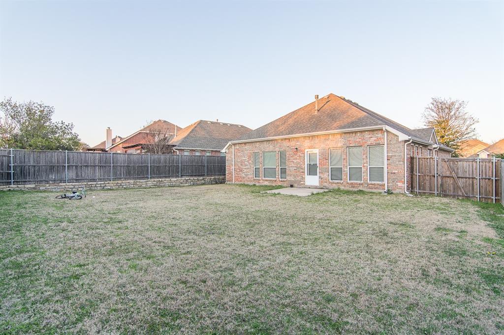 2700 Canyon Bay  McKinney, Texas 75072 - acquisto real estate best negotiating realtor linda miller declutter realtor